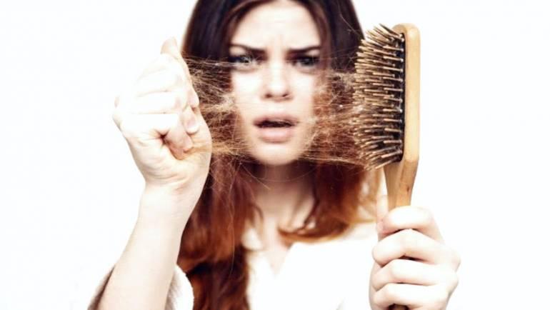 Sfaturi pentru a opri căderea părului